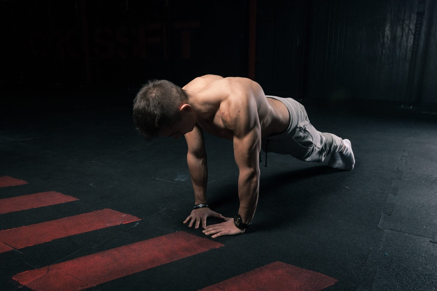 knee to chest push up