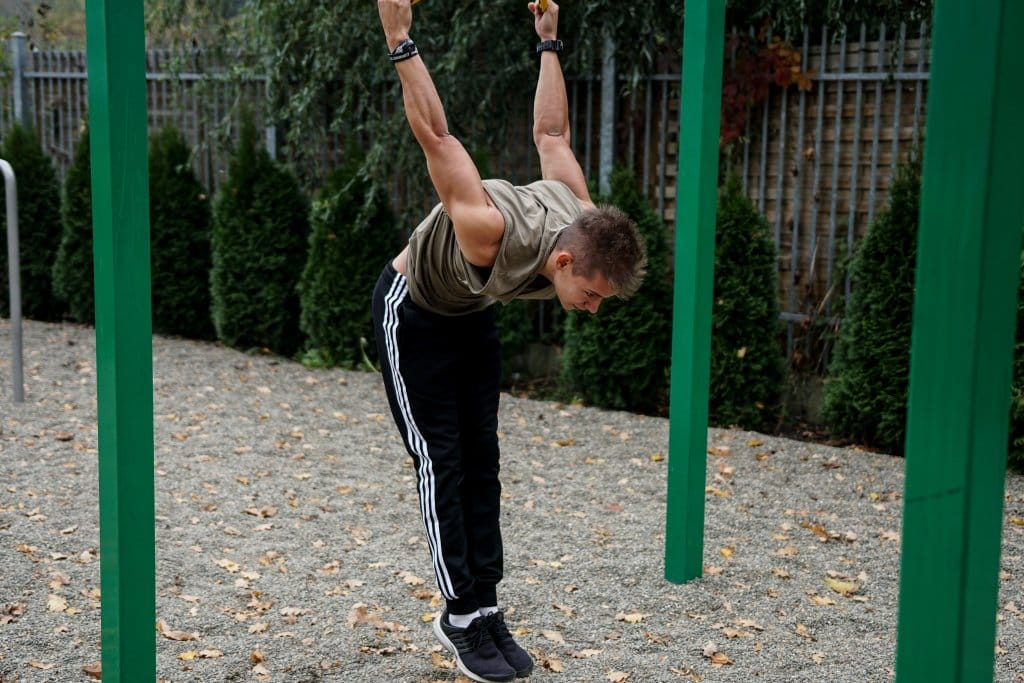 workout with gymnastic rings calisthenics